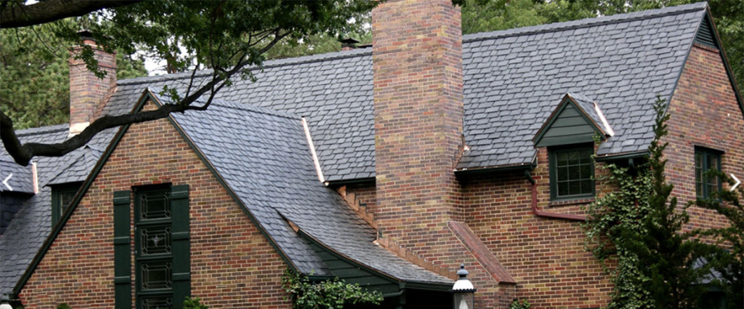 A residential roof in Blue Springs, MO